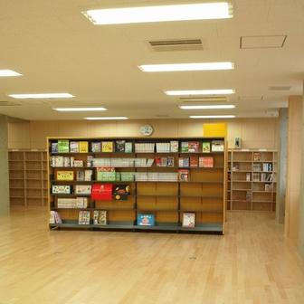 美南小 図書館