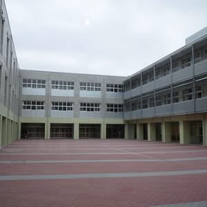 美南小学校 中庭